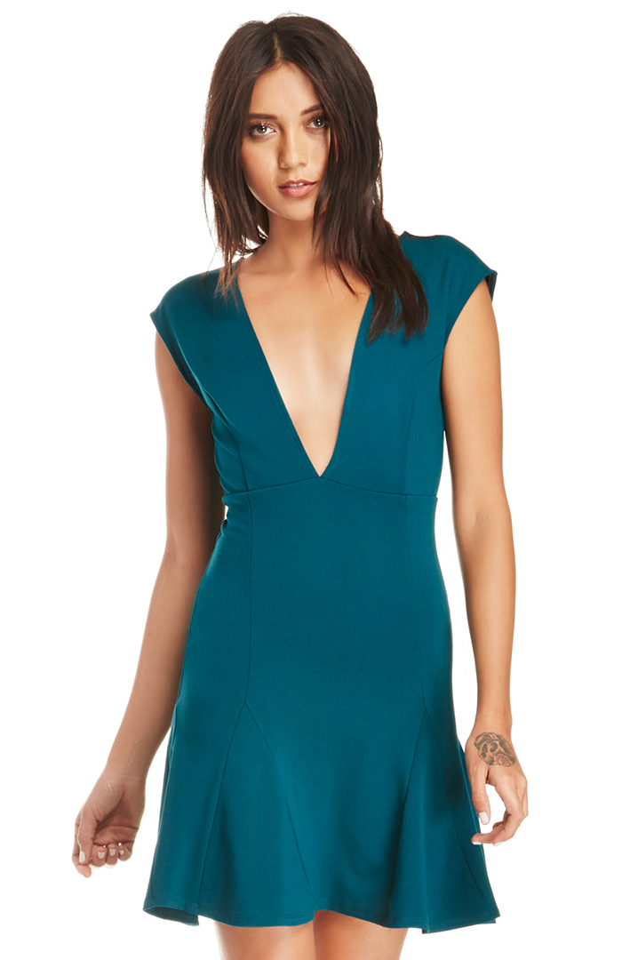 DAILYLOOK Hudgen Fit and Flare Dress in Teal XS - L at DAILYLOOK 7048ebb80